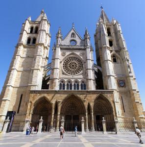 Fachada_de_la_Catedral_de_León